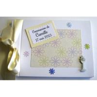 Livre d'or communion ivoire et fleurs multicolores