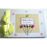 Livre d'or de mariage fleurs roses sur fond jaune