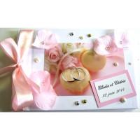 Livre d'or de mariage «pétales et macarons»